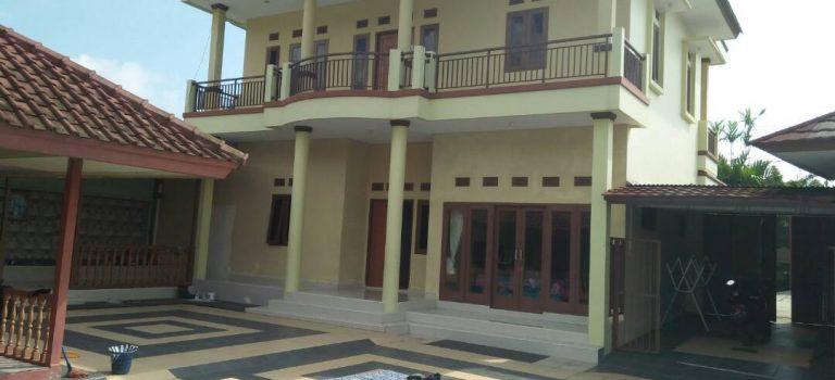 Villa dekat taman bunga nusantara villa Gsp, 6 kamar tidur kolam renang peribadi murah